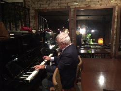 鈴木先生ピアノ